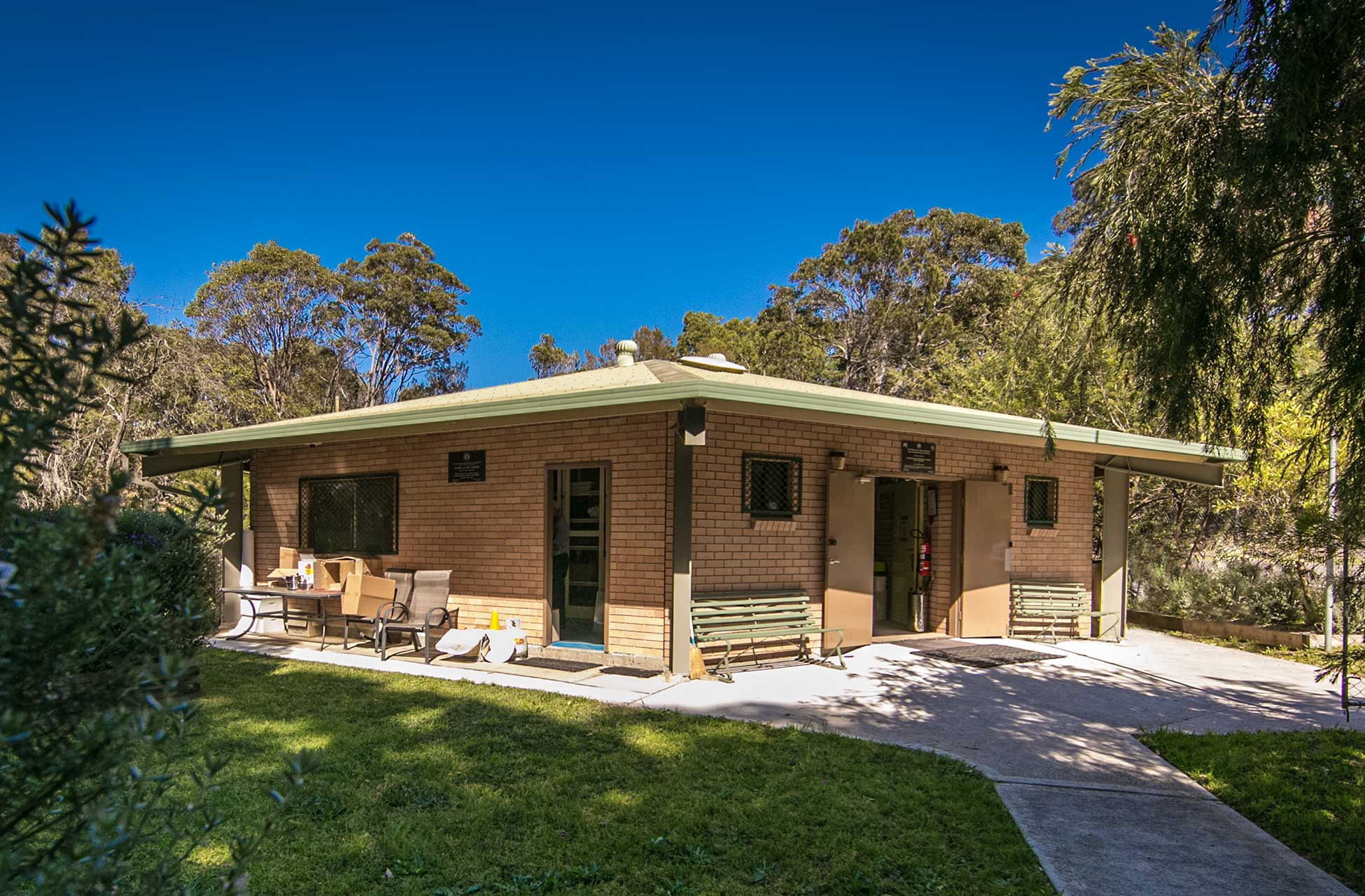 Illawarra-Beekeepers-Association-club-house-bee-garden-017_20140928