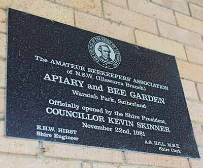 illawarra-beekeepers-apiary-and-bee-garden-plaque-opened-22-november-1981