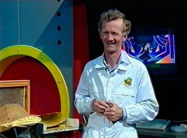 Ian-Phillips-TV-appearance-on-Klub-Kidz