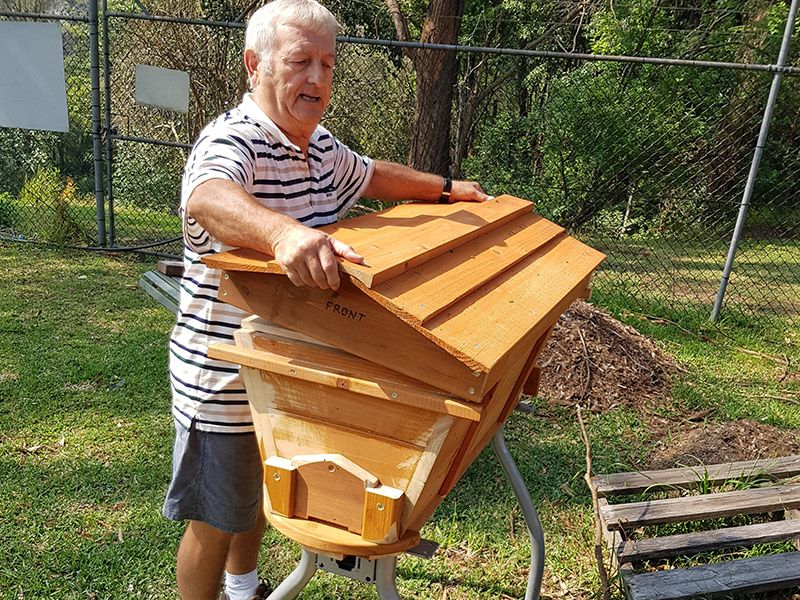ivan-mcmillan-with-a-top-bar-beehive-illawarra-beekeepers-association